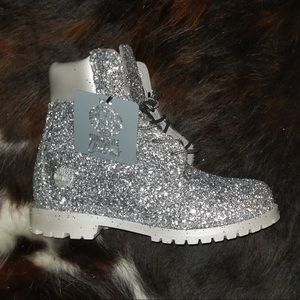 Custom glitter timbs NWT